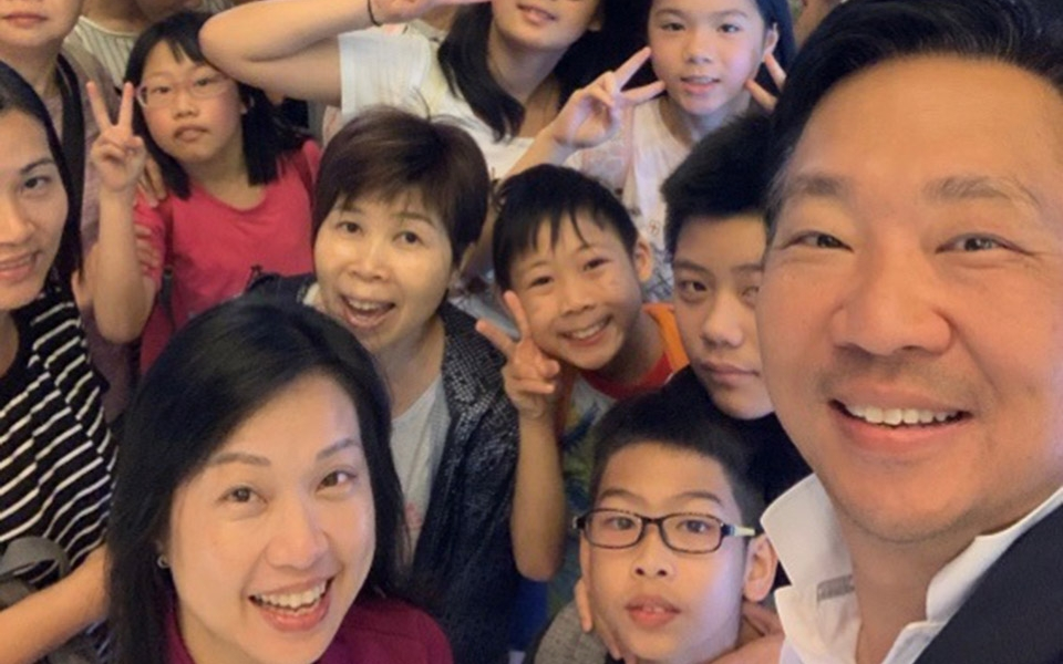 Cybertecture for Humanity treats 90 Po Leung Kuk children under care to movie